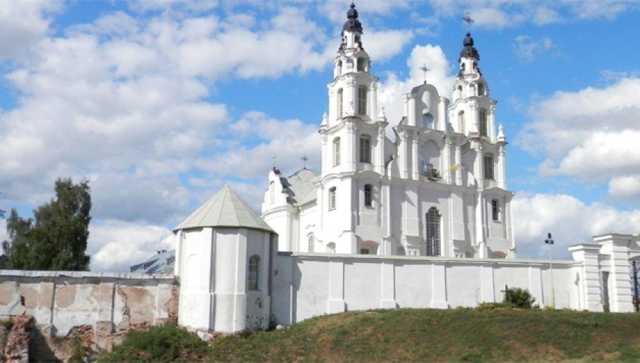 Po zwycięstwie na kościele św. Michała zawisła biało-czerwona flaga (fot. Wiki/Fczarnowski)