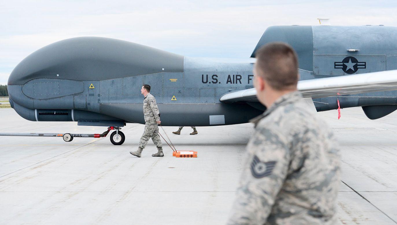 Dron może wystartować np. z terenu USA i prowadzić rozpoznanie w dowolnym punkcie kuli ziemskiej(fot. PAP/EPA/Airman 1st Class Tristan Viglian / DIVIDS )