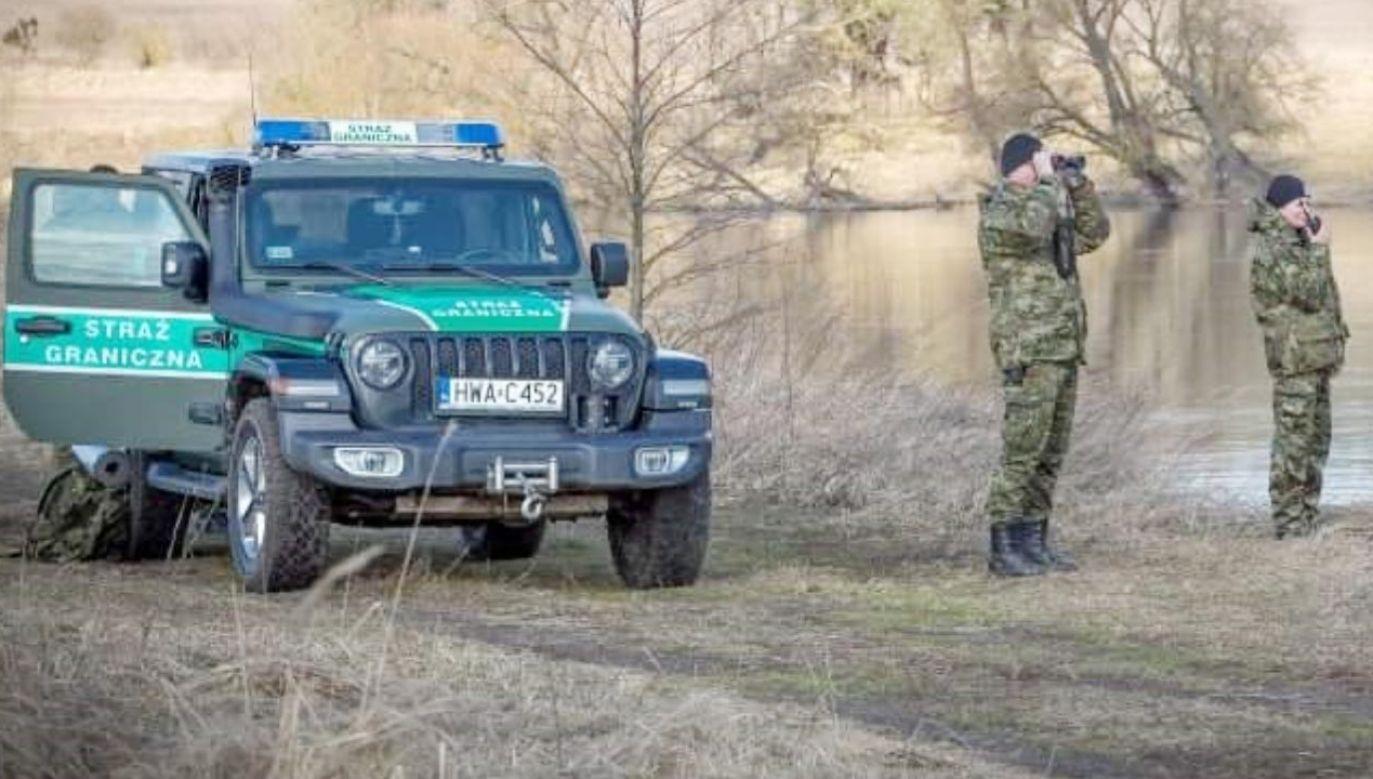 Imigrantów do rzeki wepchnęły białoruskie służby; nie umieli pływać (fot. TT/Straż Graniczna)