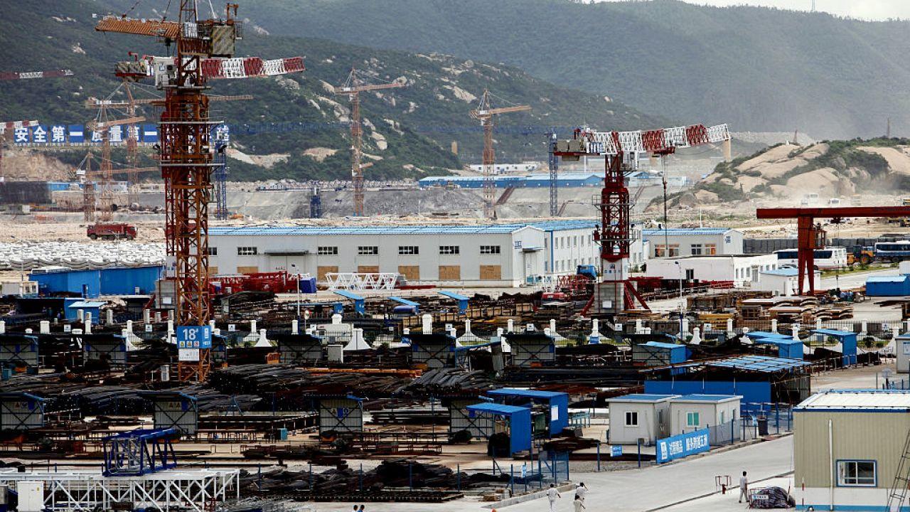 Na terenie Chin znajduje się 50 aktywnych reaktorów atomowych (fot. In Pictures Ltd./Corbis/Getty Images)
