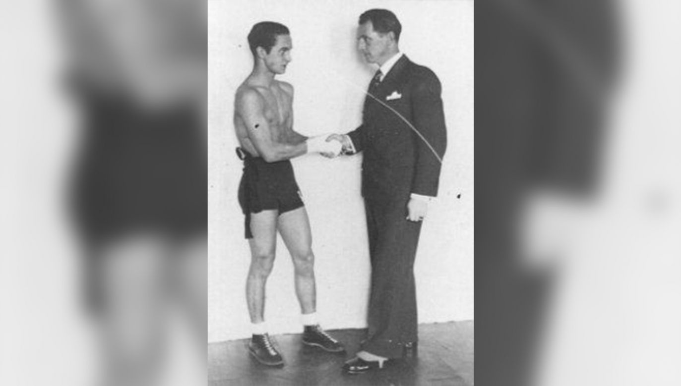 Tadeusz Pietrzykowski ze swoim trenerem Feliksem Stammem (fot. auschwitz.org)