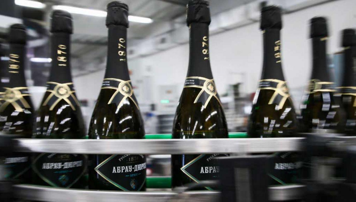 """Francja chce zastrzec nazwę """"szampan"""", ale Rosja ma inny plan (fot. Dmitry Feoktistov\TASS via Getty Images)"""