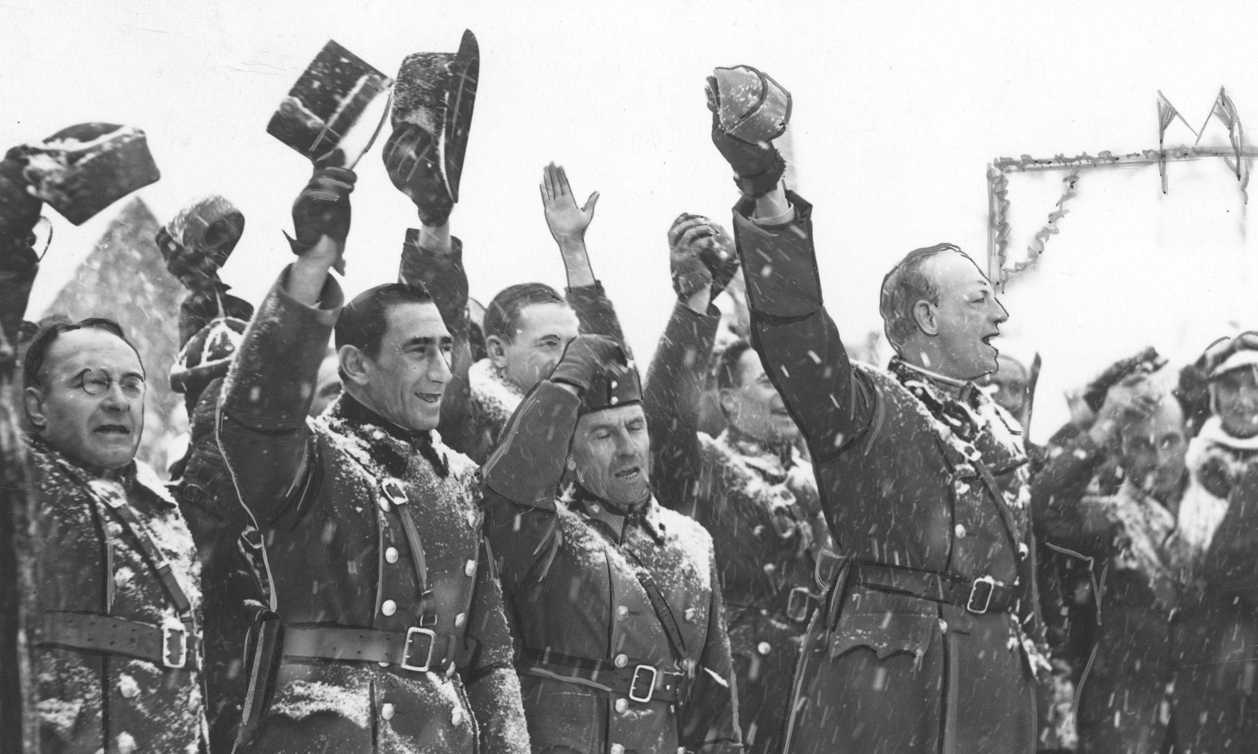 Oficerowie węgierscy wznoszą okrzyki na cześć Polski i wspólnej granicy.