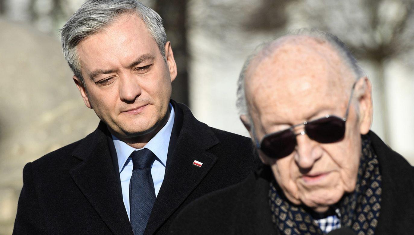 Robert Biedroń (z lewej) i Stanisław Ciosek na wspólnej konferencji prasowej (fot. PAP/Radek Pietruszka)