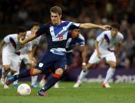 Aaron Ramsey strzela bramkę dla Wielkiej Brytanii (fot.Getty Images)