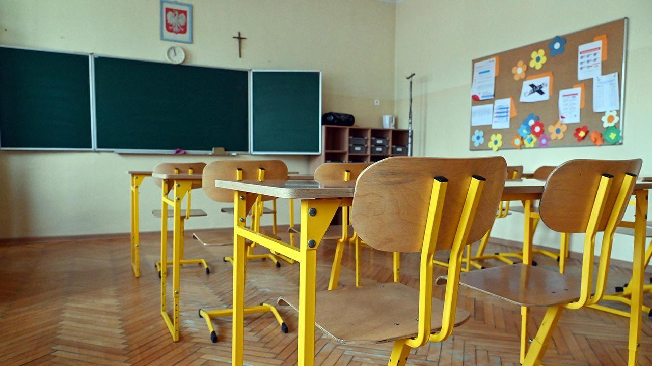 Czy 1 września wszyscy uczniowie wrócą do nauki w szkołach? (fot.  PAP/Marcin Bielecki)