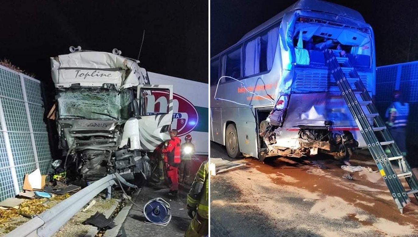 Do wypadku doszło w piątek rano na trasie S8 w powiecie wołomińskim (fot. Komenda Powiatowa Państwowej Straży Pożarnej w Wołominie)
