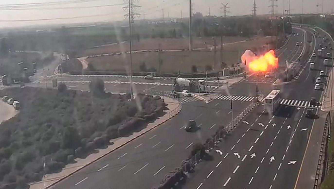 Dzień wcześniej izraelskie siły przeprowadziły atak lotniczy na jednego z czołowych dowódców Islamskiego Dżihadu (fot. PAP/EPA/NETIVEI ISRAEL)