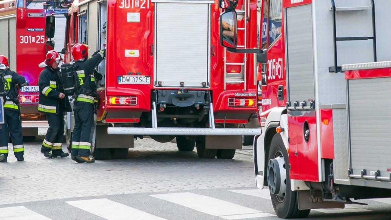 Na miejsce przybyła straż pożarna(fot. Shutterstock/Emeryk III)