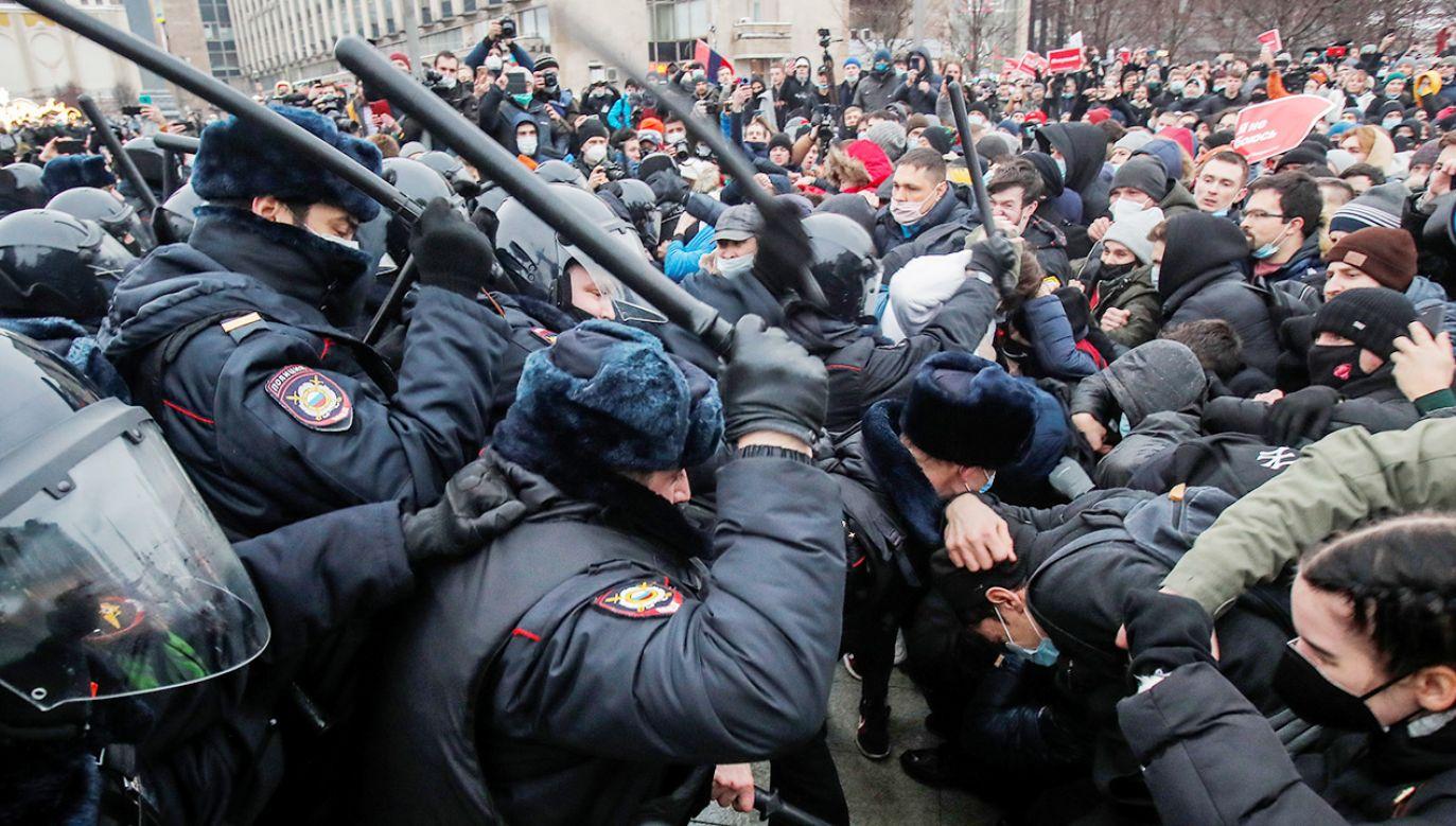 Masowe demonstracje przeciw władzom Rosji (fot. REUTERS/Maxim Shemetov)