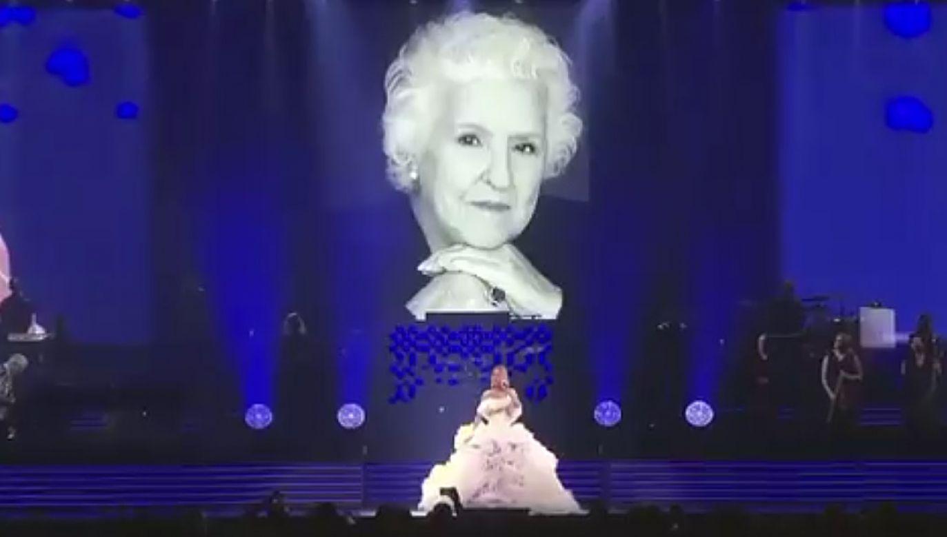 Celine Dion zadedykowała koncert pamięci matki (fot. Twitter/Celine Dion)