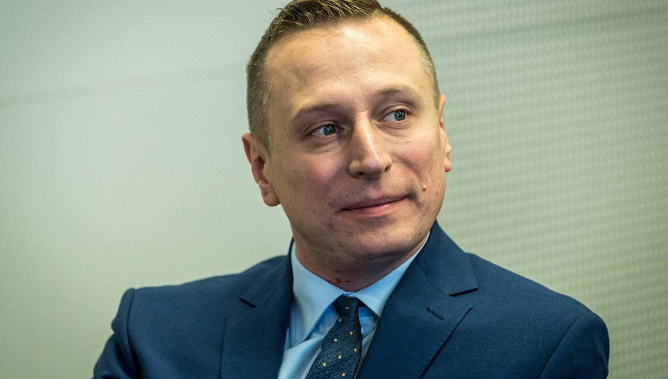 Stachowiak dodał, że w Inowrocławiu proceder, którym miał trudnić się Brejza, był od dawna znany, a ujawnione dziś informacje potwierdzają to, co wcześniej mówił (fot. arch.  PAP/Tytus Żmijewski)