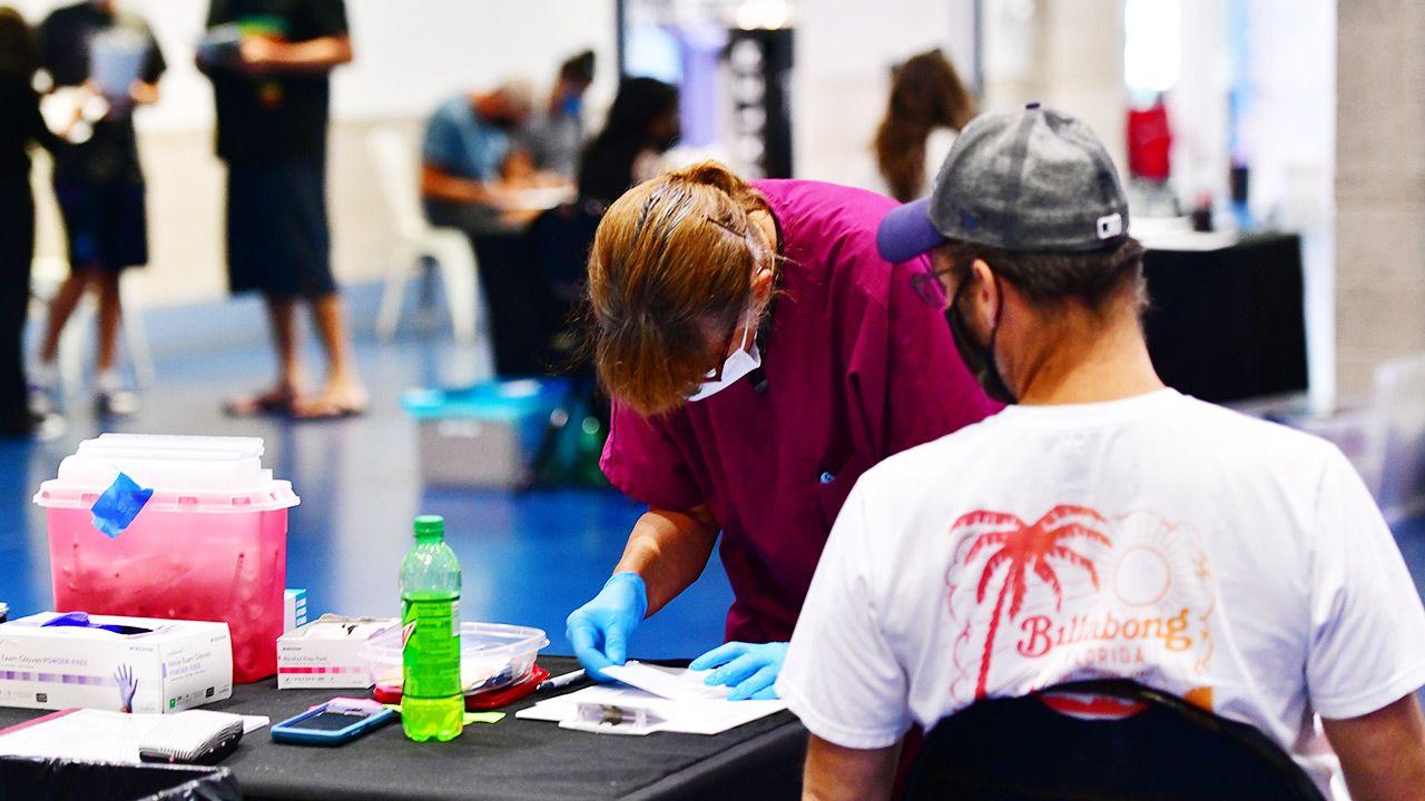 Koronawirus spowodował zakłócenia w opiece zdrowotnej w USA (fot. Julio Aguilar/Getty Images)