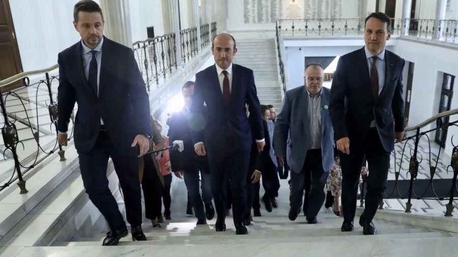 Nowa specustawa o przeprowadzeniu wyborów w 2020 r. zakłada m.in. możliwość rejestracji nowych kandydatów (fot. PAP/Tomasz Gzell)
