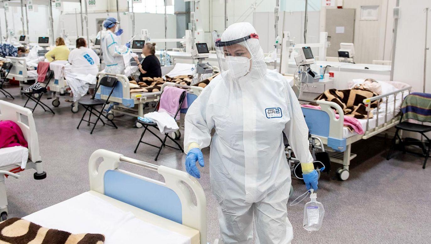Atak na lekarzy walczących z COVID-19 (fot. PAP/Wojtek Jargiło)