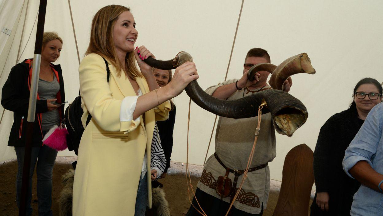 Atrakcje rodem ze Średniowiecza przyciągnęły nie tylko rzesze fanów, ale również samych aktorów (fot. J. Bogacz/TVP)