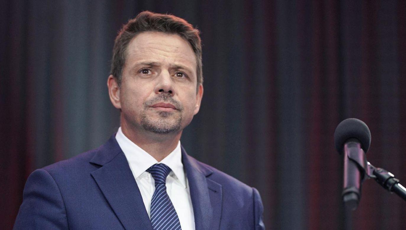 Rafał Trzaskowski zaproponował wprowadzenie 200 zł dodatku do emerytury dla matek za każde dziecko (fot. PAP/Mateusz Marek)
