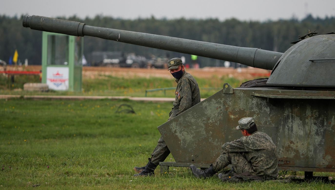 Obrońcy praw człowieka zwracają uwagę na postępujący proces militaryzacji życia społecznego (fot. Reuters/Maxim Shemetov)