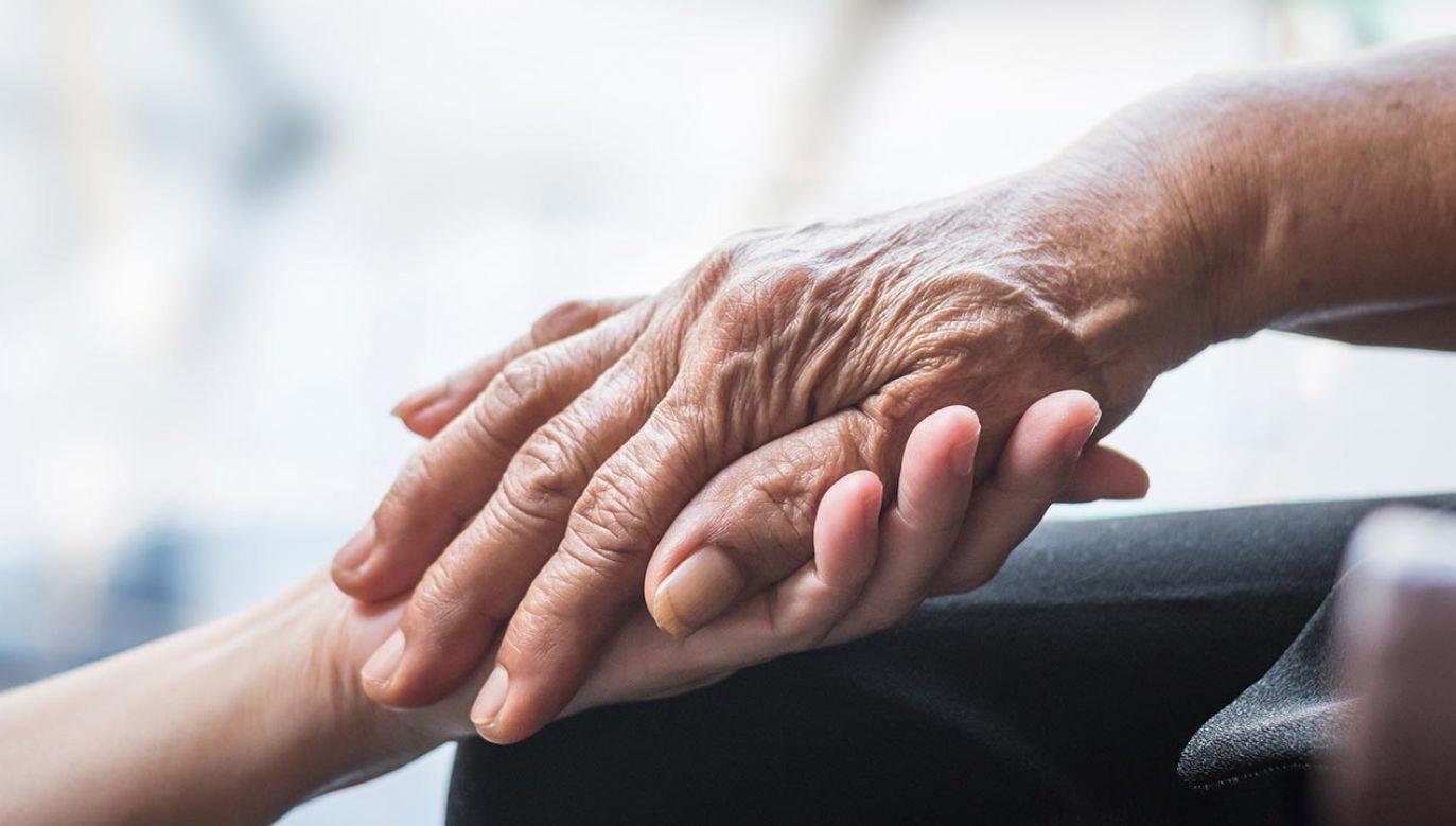 Jak allel APOE4 wpływa na rozwój choroby Alzheimera? (fot. Shutterstock/Chinnapong)
